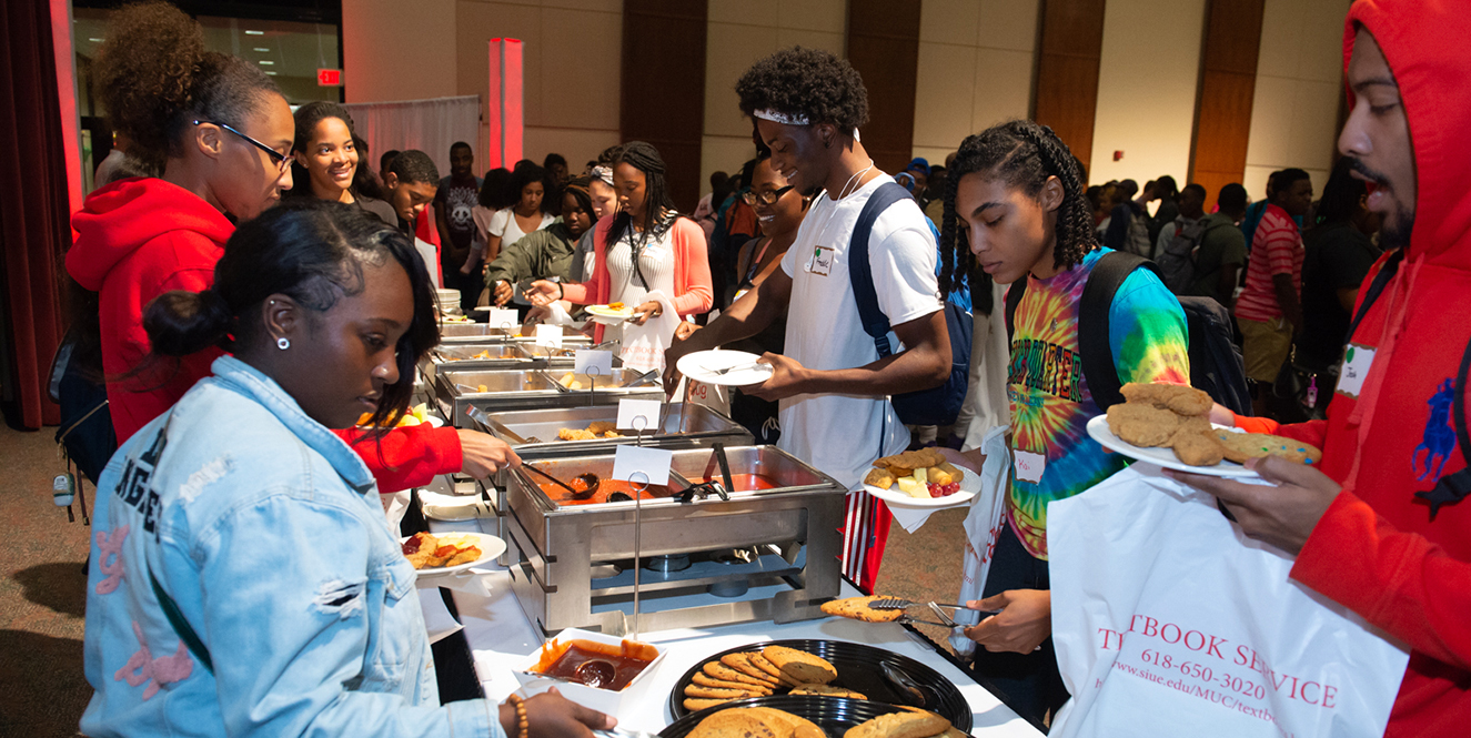 Students enjoying food at SIUE in the Meridian Ballroom of the Morris University Center