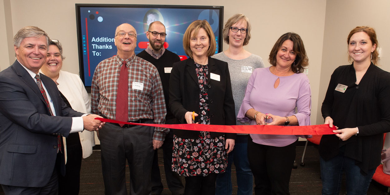 A ribbon cutting at SIUE.