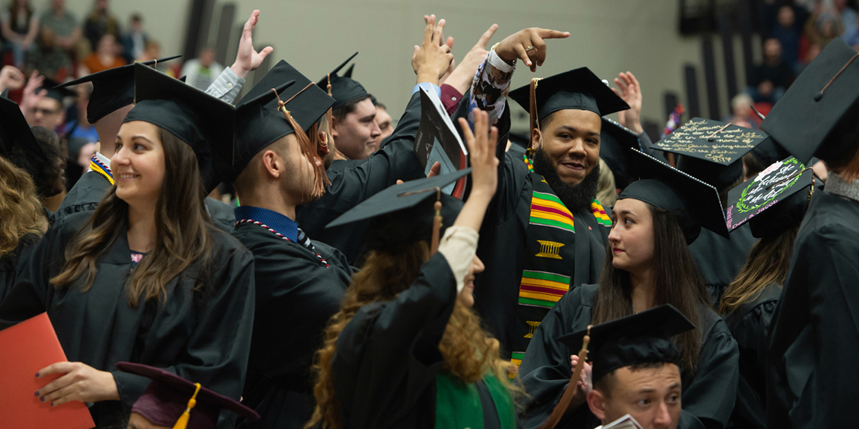 Siu Graduation 2020.Graduate Admissions Next Steps Application Deadlines Siue