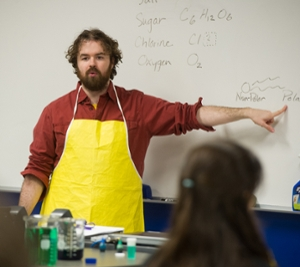 Colin Wilson, manager of SIUE's STEM Resource Center, leads a chemistry lab experience.