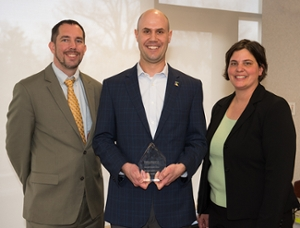 Ryan Perryman receives 2017 CLI Alumni Award