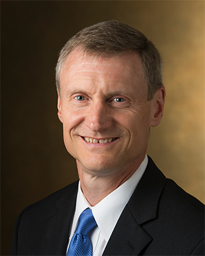 SIUE School of Business Dean Tim Schoenecker