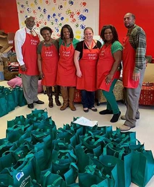 East St. Louis CHS Angel Tree Volunteers