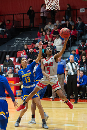 SIUE's Jay'nee Alston takes it to the hoop during the Women's Basketball game against Morehead State University.