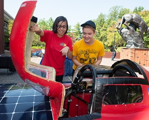 SIUE Solar Car with Students