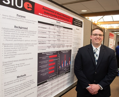 SIUE School of Pharmacy fourth-year student Blake Cornwell earned the Best Platform Presentation Award at the ICHP/MCHP joint meeting.