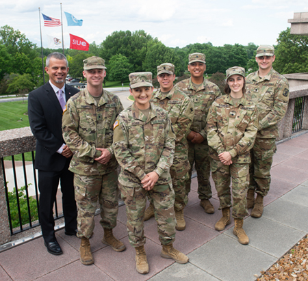 SIUE Director of Military and Veteran Services Kevin Wathen (far left) stands alongside SIUE students and active military members (L-R) Nathan Peery, Mackenzie Gould, Marcus Hahn, Joseph Arcilla, Madeline Stack and Colin Arnold.