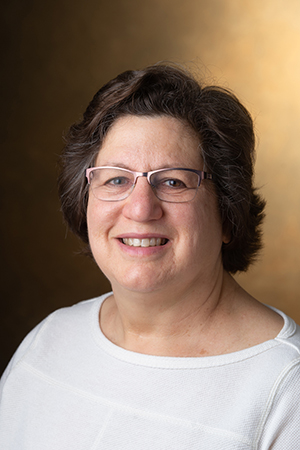 SIUE's Luci Kohn, PhD, professor in the Department of Biological Sciences.